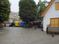 Sběrný dvůr odpadu. Slouží od1.1. 2001